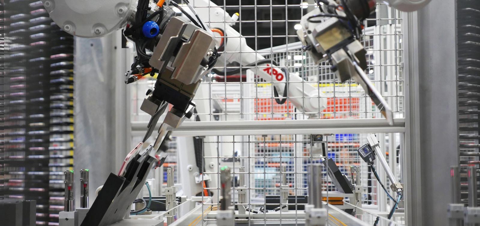 Coronavirus beams trucking, supply chain into a high-tech future